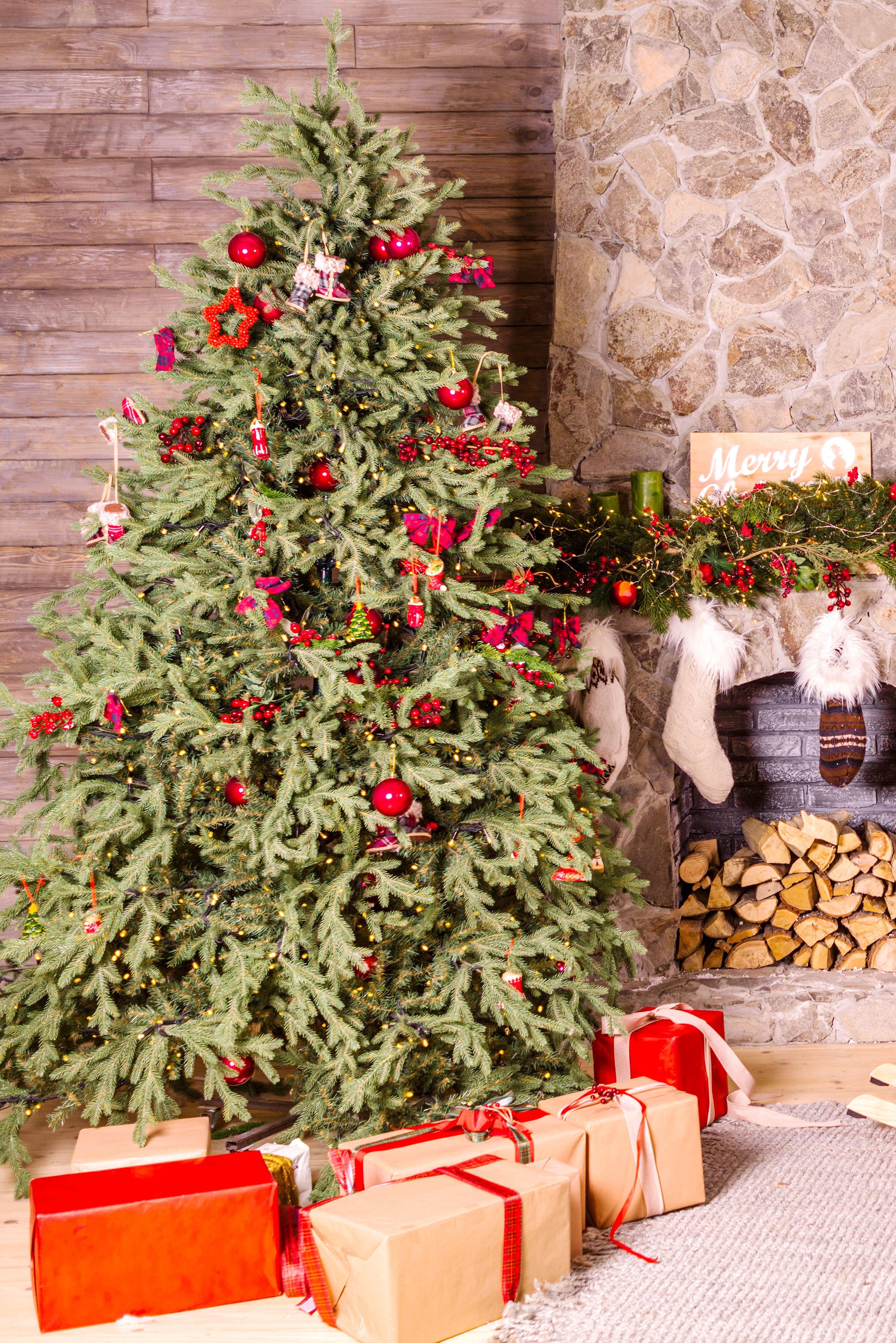 Stocking-Stuffers---Photo-by-Євгенія-Височина